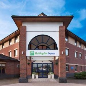 Hotels near Bridge House Theatre Warwick - Holiday Inn Express Warwick - Stratford-upon-avon