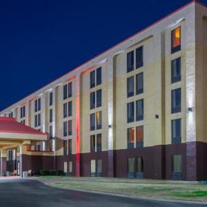 Hotels near Carl Black Chevy Woods Amphitheater - Red Roof Inn Nashville - Music City