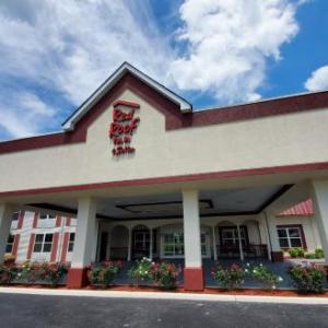 Hotels near Great Stage Park - Red Roof Inn And Suites Manchester Tn