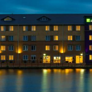 Glee Club Cardiff Hotels - Holiday Inn Express Cardiff Bay