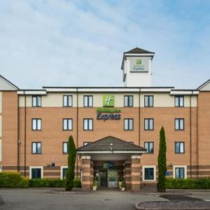 Hotels near Mick Jagger Centre Dartford - Holiday Inn Express London -Dartford