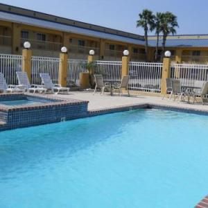 Windwater Inn And Suites