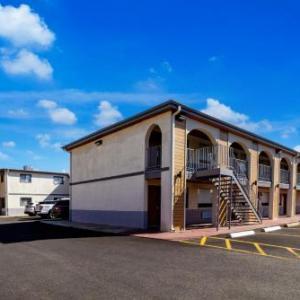 Hotels near Ayva Center - OYO Hotel Houston Galleria West