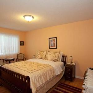 Hotels near South Okanagan Events Centre - House Victoria Bed & Breakfast