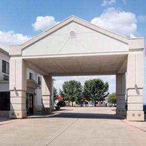 Texas Opry Theater Hotels - Econo Lodge Weatherford