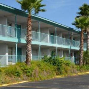 McNay Art Museum Hotels - Rodeway Inn Near Ft. Sam Houston
