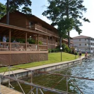 Hot Springs Convention Center Hotels - Country Inn Lake Resort