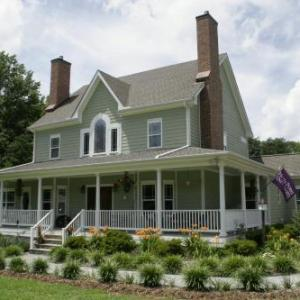 Seven Oaks Inn B&b