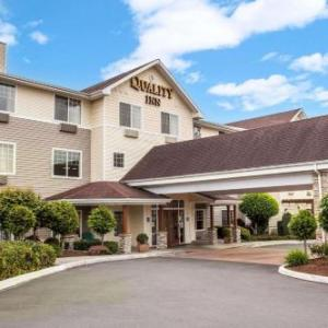 Hotels near Weyerhaeuser King County Aquatic Center - Quality Inn & Suites Federal Way