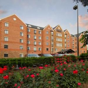 Hotels near Alden Theatre - Staybridge Suites Mclean-tysons Corner