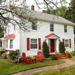 Credit Union Place Hotels - Warn House Bed and Breakfast