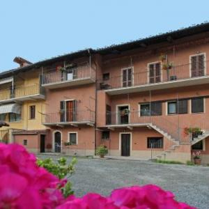Book Now La Ghiacciaia (Verzuolo, Italy). Rooms Available for all budgets. Set in Verzuolo La Ghiacciaia offers a choice of rooms and apartments with free Wi-Fi and a free parking space. It features a garden where breakfast is served during summer.Ro