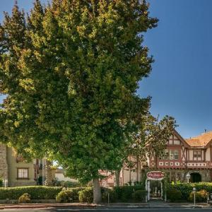 Ashby Stage Hotels - Rose Garden Inn