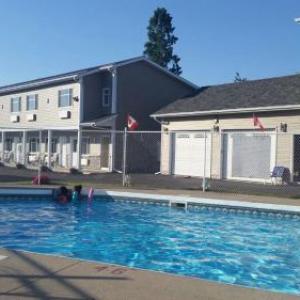 Strathcona Paper Centre Hotels - Fox Motor Inn