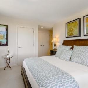 Broadway Plaza