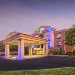 Hotels near TPC at Wakefield Plantation - Holiday Inn Express Hotel And Suites Raleigh North - Wake Forest