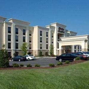 Five County Stadium Hotels - Hampton Inn & Suites Wilson I-95