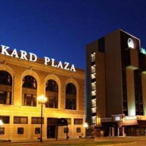 Hotels near Riverfront Peoria - Mark Twain Hotel