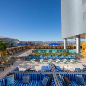 Hotels near Talking Stick Resort Arena - Kimpton Hotel Palomar Phoenix Cityscape
