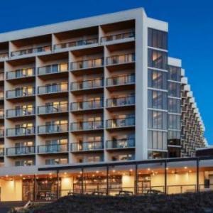 Chicks Beach Hotels - Delta Hotels by Marriott Virginia Beach Bayfront Suites
