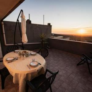 Book Now Su 'e Torigheddu (Cuglieri, Italy). Rooms Available for all budgets. Su 'e Torigheddu offers pet-friendly accommodation in Cuglieri 46 km from Alghero. Su 'e Torigheddu features views of the sea and is 32 km from Oristano. Free WiFi is provided