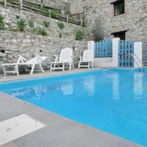 Book Now Casa Smeraldo A (Pescaglia, Italy). Rooms Available for all budgets. Situated in Pescaglia this apartment features an outdoor pool. The unit is 30 km from Pisa. Free private parking is available on site.The unit is equipped with a kitchen. A TV