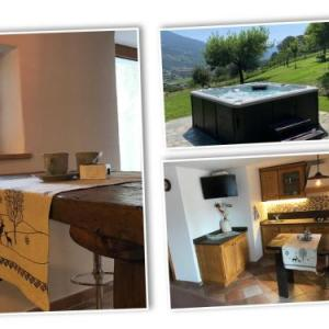 Book Now Pin 4 (Aosta, Italy). Rooms Available for all budgets. Located in Aosta this apartment features a barbecue. Featuring free private parking the apartment is 3.4 km from Cable Car Pila. Free WiFi is featured throughout the property.