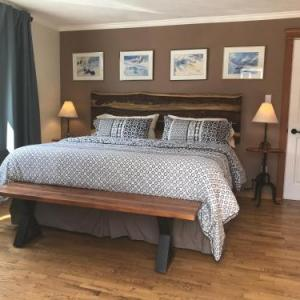 Canadian Rockies Inn - Adults only