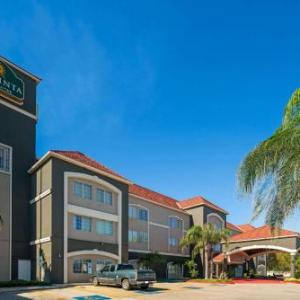 La Quinta Inn Suites Brownsville North 6 89 Miles Away From Los Fresnos