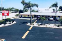 Deluxe Inn - Sarasota Image