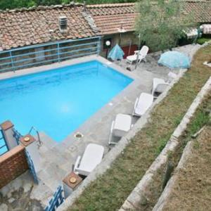 Book Now Casa Smeraldo C (Pescaglia, Italy). Rooms Available for all budgets. Casa Smeraldo C offers pet-friendly accommodation in Pescaglia 30 km from Pisa and 16 km from Lucca. The property is 27 km from Montecatini Terme and free private parking is f