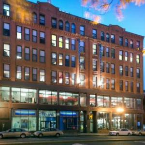 Park Plaza Castle Hotels - HI -Boston Hostel