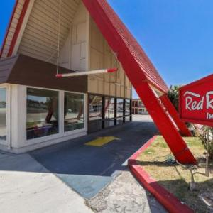 Hotels near Rio Vista Outdoor Amphitheater - Red Roof Inn Needles