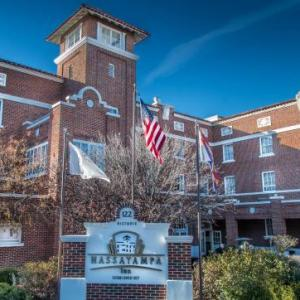 Hotels near Prescott Rodeo Grounds - Hassayampa Inn