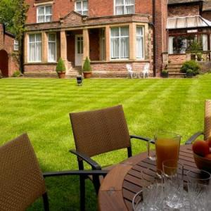 Hotels near Macclesfield Rugby Union Football Club - The White House Manor