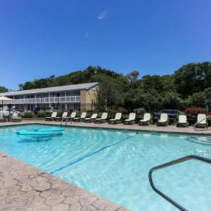 Provincetown Town Hall Hotels - Cape Colony Inn