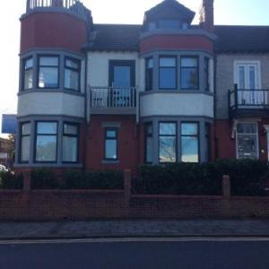 Hotels near Floral Pavilion New Brighton - Dunsandles Guesthouse