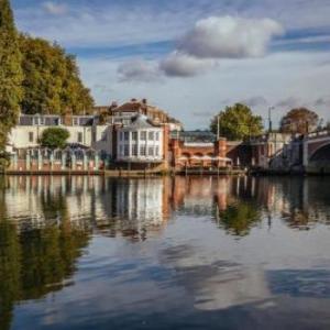 Hotels near Hampton Court Palace London - Mitre Hotel