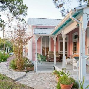 Antoinette's Cottage Bed and Breakfast