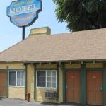 Hotels near Spike's Sports Bar & Grill - Starlite Motel
