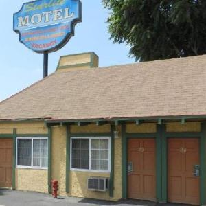 Spike's Sports Bar and Grill Hotels - Starlite Motel