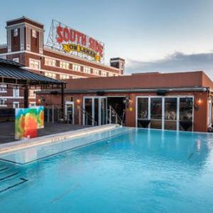 Hotels near Clarence Muse Cafe Theater - Canvas Hotel Dallas