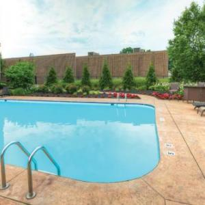 Hotels near Marlboro Township Recreation Center - Radisson Freehold