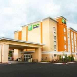 Toledo Speedway Hotels - Holiday Inn Express Toledo North