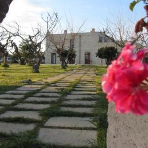 Book Now Il Praedio Della Reale (Ginosa, Italy). Rooms Available for all budgets. Offering a barbecue and terrace Il Praedio Della Reale is set in Ginosa in the Apulia Region. Guests can enjoy the on-site bar. Free private parking is available on site.Each
