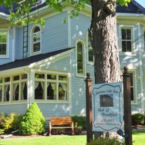 Credit Union Place Hotels - Summerside Inn Bed And Breakfast