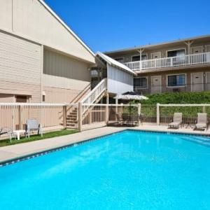 Hotels near Ironstone Amphitheatre - Travelodge Angels Camp Ca