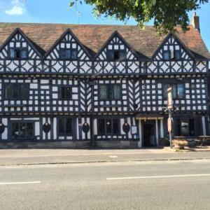 Warwick Castle Hotels - The Tudor House Hotel