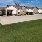 Hotels near Great Jones County Fair - Boulders Inn & Suites Monticello