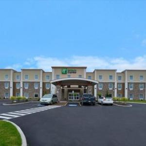 Hotels Near Cmac Holiday Inn Express Canandaigua
